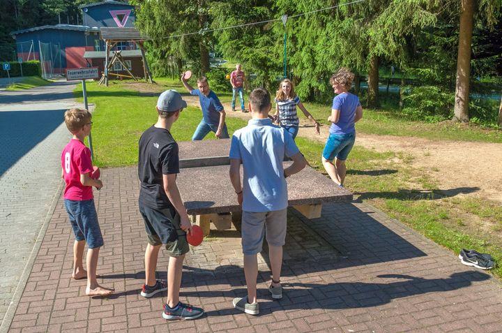 Spaß beim Tischtennis an der Strobel-Mühle
