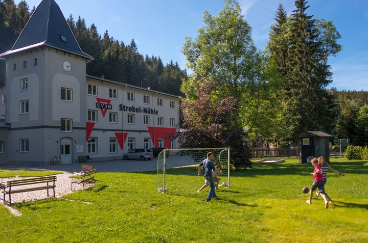 Strobel-Mühle Pockau mit Spielwiese