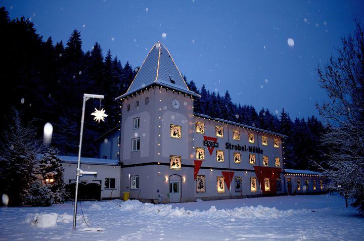 Strobel-Mühle als Adventskalender